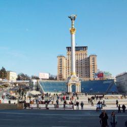 Монтаж колони монумента на на майдані Незалежності, м. Київ. 2001 рік